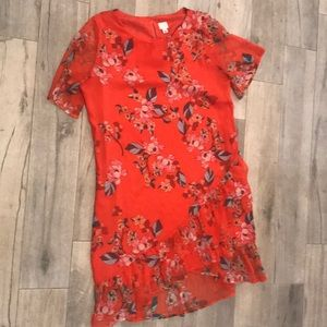 NWOT! Floral ruffle hem dress!